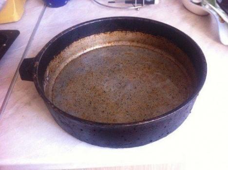 210 468x349 - Как отмыть металлическую посуду?