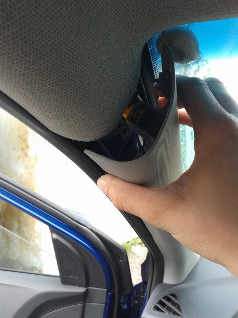 20140601 150924 468x624 - Hyundai Solaris / Как снять обшивку водительской арки / стойки ветрового стекла