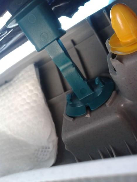 20140601 151428 468x624 - Hyundai Solaris / Как снять обшивку водительской арки / стойки ветрового стекла