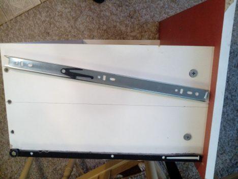 8 468x351 - Что делать, если мебельные ящики проваливаются, застревают и не вообще бесят?