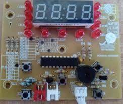 3 1 - Мультиварка Redmond RMC-4503. На индикаторе 00:28 На кнопки не реагирует
