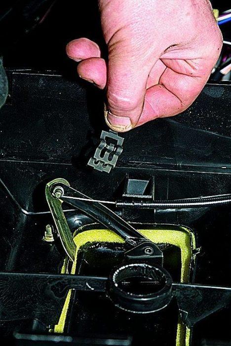 4 1 468x702 - ВАЗ 2131 НИВА не закрывается печка отопителя